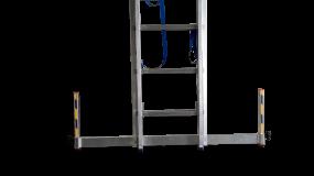 Niveau-Traverse 64 mm für alle STABILO-SprossenLeitern mit Ausstanzung im Holm / Länge 875 mm